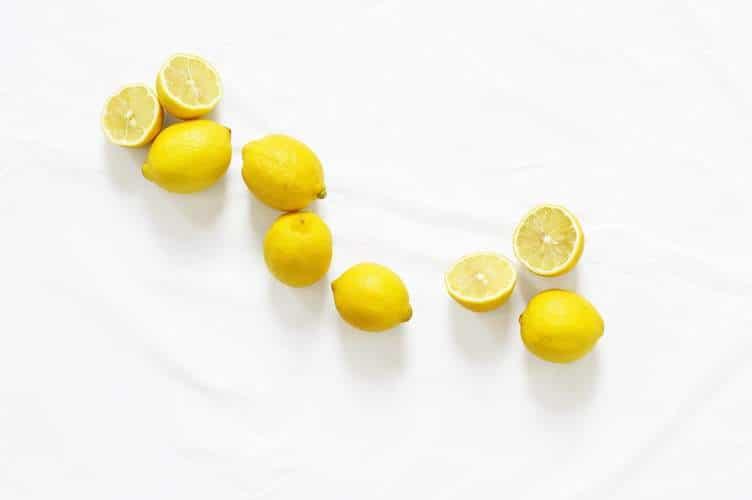 Pour éliminer les toxines, une cure detox a l'huile essentielle de citron