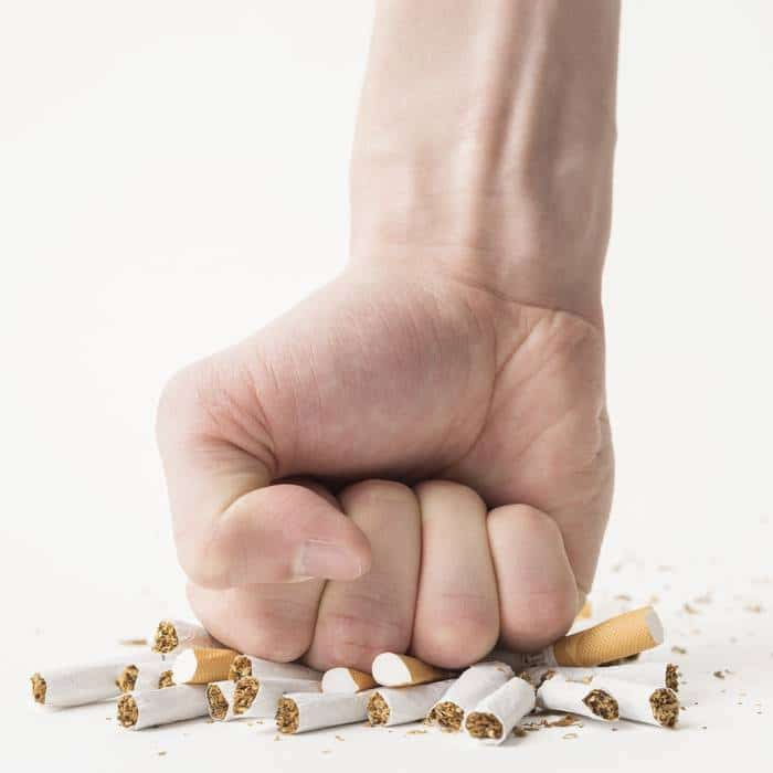 Arrêter de fumer avec l'aide des huiles essentielles, c'est possible !